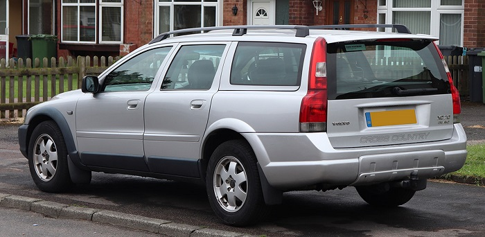 volvo_xc70_d5_se_awd_geartronic_2.4_rear